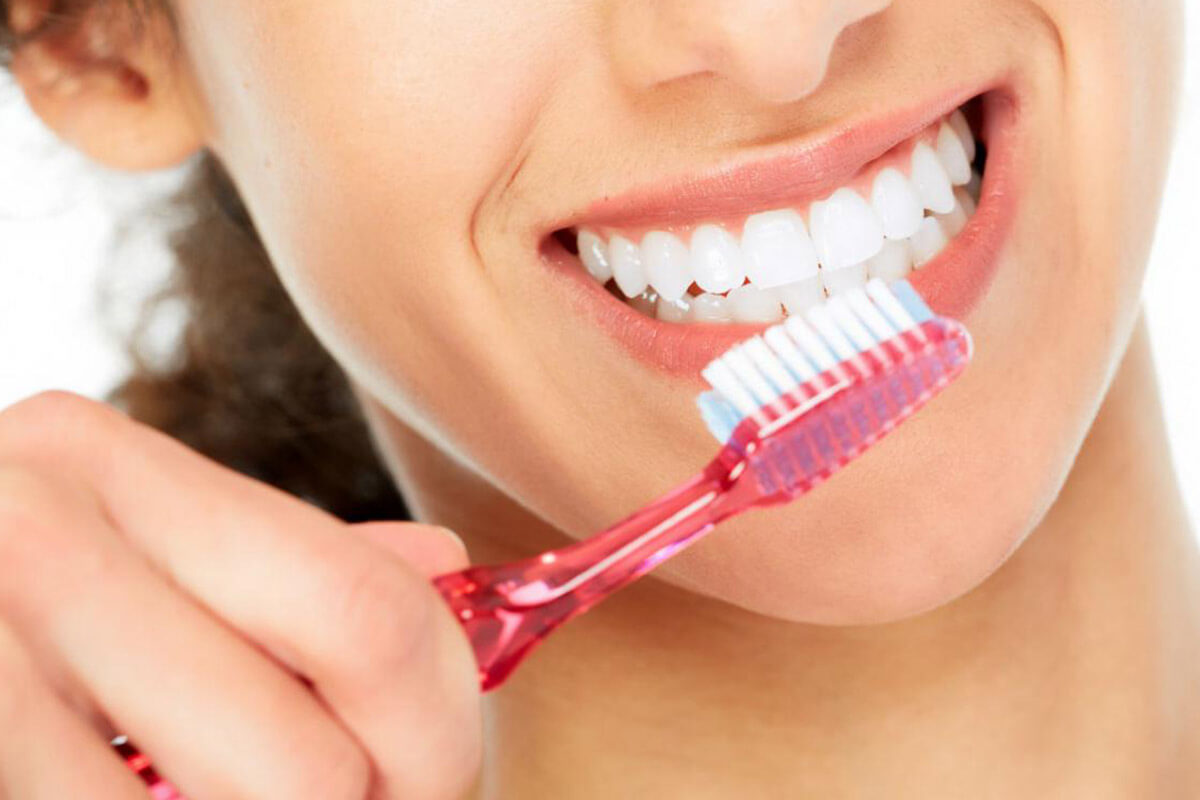 Diş Fırçalama Nasıl Olmalıdır?